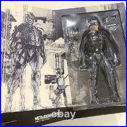 Metal Gear Solid 4 Real Action Heroes Old Snake Action Figure NEW
