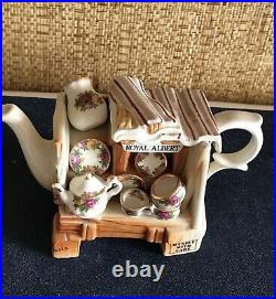 NWT ROYAL ALBERT Old Country Roses Collection. Decoration TEA POT Height 3 3/4