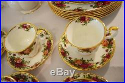 Royal Albert Old Country Roses Dinnerware Collection 42 pices