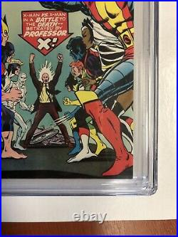 Uncanny X-Men (1976) # 100 (CGC 9.2 WP) Old X-men Vs New X-men